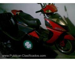 VENDO SCUTER MOTOMEL VX150 AÑO 2010 CON ASIENTO DESMONTABLE