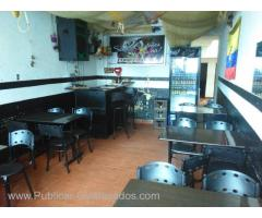 SE VENDE PARRILLA BAR
