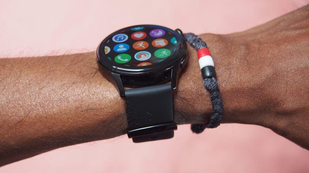 Huawei Watch 3 mostrando el lado del reloj