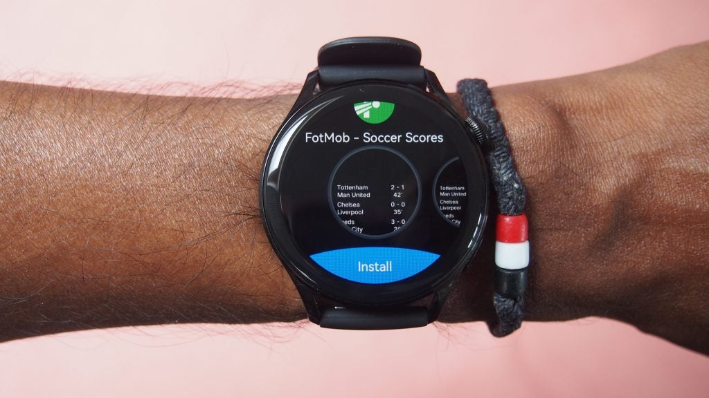 Huawei Watch 3 mostrando la pantalla